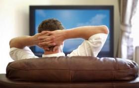 Immer mehr Leute nutzen ihr Smartphone vor dem Fernseher