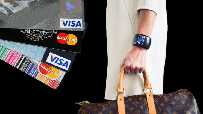 Trotz Bezahlung mit Karte und Smartphone, steht weiterhin das Bargeld vorne dabei.