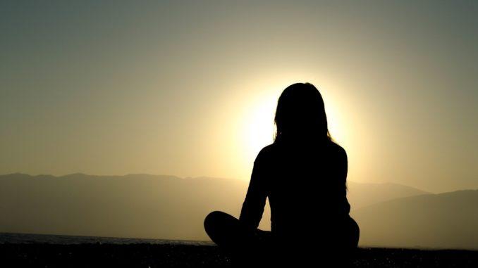 Die Meditations-App Aura wurde von Meditationslehrern und Therapeuten entwickelt und soll einem helfen, Zen in das tägliche Leben einzuführen.